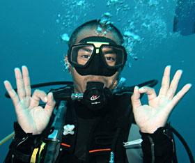 thumbsup-diver